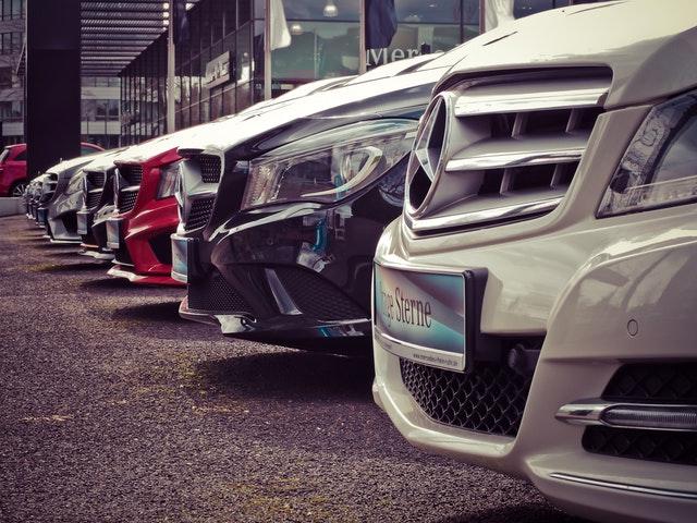 zaparkované automobily