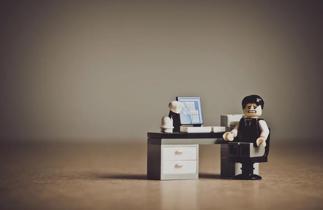 panáček a kancelář